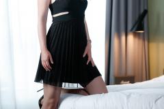 Victoria-Escortservice-Berlin_schwarzes_Party-Kleid
